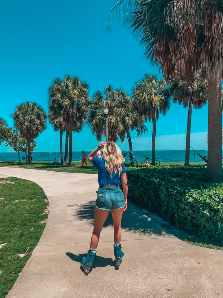 Rollerblading through Vinoy Park on a sunny day