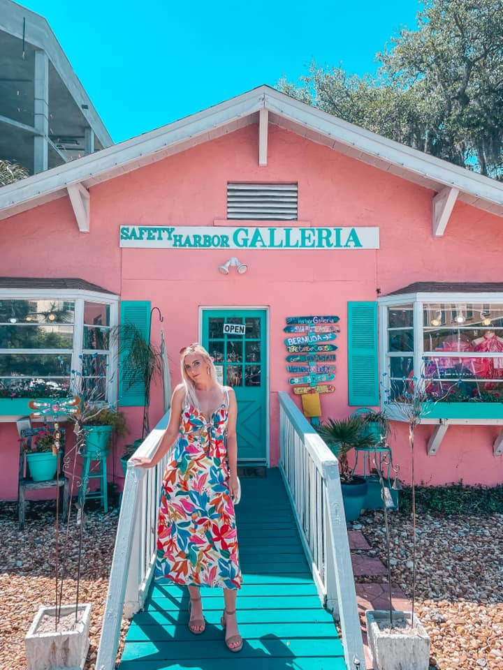 Fun colored gallery in downtown Safety Harbor