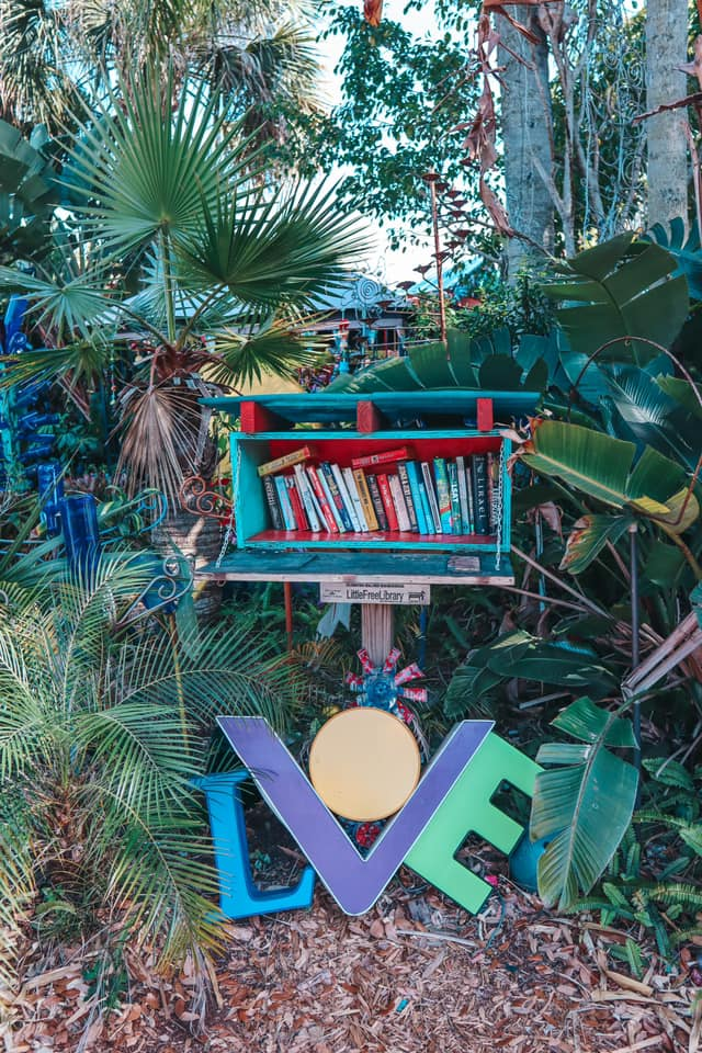 free library outside of Whimzeyland